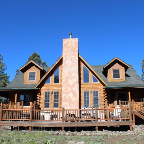lake sale in with jacuzzi az cabin cabins rentals for dog airbnb rent friendly flagstaff greer on mountain