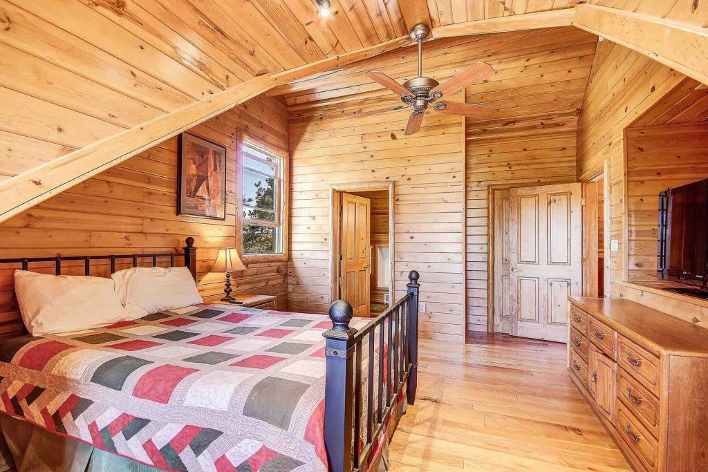 Airbnb Williams Log Cabin