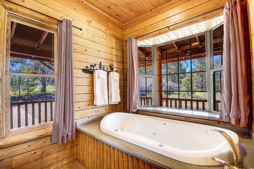 Jetted Tub in Williams Cabin